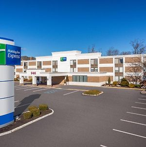 Holiday Inn Express Ramsey Mahwah photos Exterior