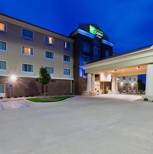 Holiday Inn Express Hotel & Suites Salina photos Exterior