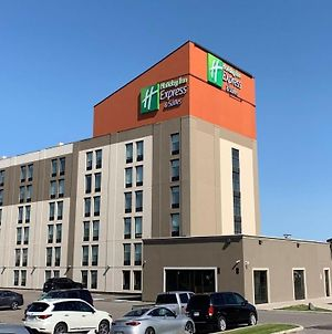 Holiday Inn Express & Suites Toronto Airport West, An Ihg Hotel photos Exterior