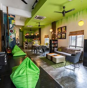 Pods The Backpackers Home & Cafe, Kuala Lumpur photos Exterior
