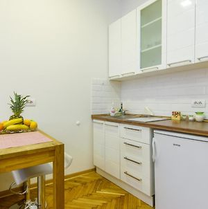 Amelie Modern New Apartment In The City Center photos Exterior