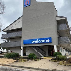 Motel 6 Memphis Downtown photos Exterior