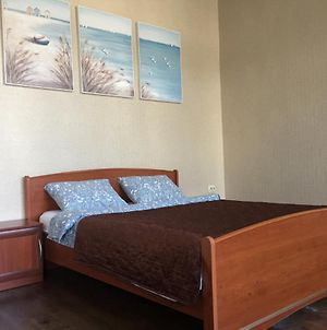 Apartment In Artem, 10 Min From Airport, Free Pick Up Service photos Exterior