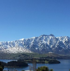 Remarkable Lake View Townhouse Queenstown Hill photos Exterior