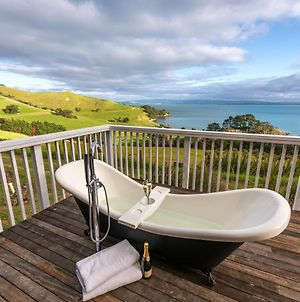 Woodside Bay Cottage - Waiheke Holiday Home photos Exterior