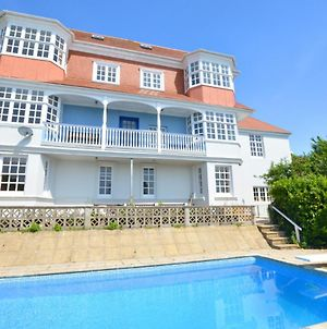 Modern Apartment In Tenby With Swimming Pool photos Exterior