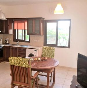 House With 2 Bedrooms In Pissouri With Wonderful Sea View Furnished Garden And Wifi 1 Km From The Beach photos Exterior