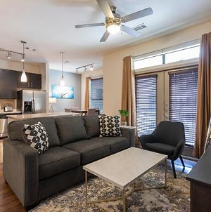 Luxurious King Bed Living Midtown Fully Equipped Condo photos Exterior