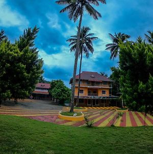 Ambady Resort Athirappilly photos Exterior