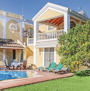 Six-Bedroom Holiday Home In Marbella photos Exterior