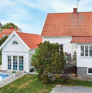 Awesome Home In Fjallbacka W/ Outdoor Swimming Pool And 4 Bedrooms photos Exterior