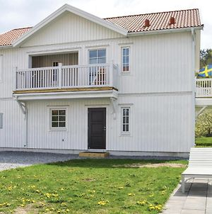 Stunning Apartment In Fjallbacka W Outdoor Swimming Pool And 3 Bedrooms photos Exterior