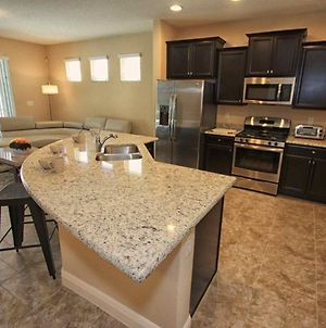 Luxury On A Budget - Solterra Resort - Beautiful Contemporary 5 Beds 4 Baths Pool Villa - 7 Miles To Disney photos Exterior