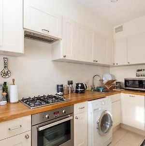1-Bed Flat At The Heart Of Fulham & Parsons Green! photos Exterior