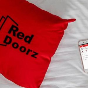 Reddoorz Plus @ Catania Soma Rajawali photos Exterior