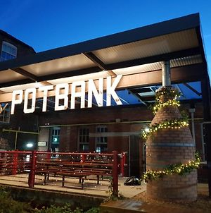 Potbank photos Exterior
