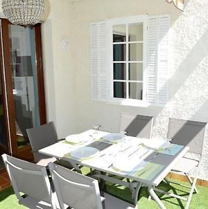 Studio In Bandol With Shared Pool And Furnished Terrace 300 M From The Beach photos Exterior