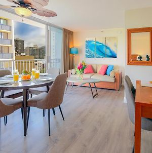 Beautiful Studio In Waikiki - Wifi, Netflix & Split Ac - 1 Block To The Beach! photos Exterior