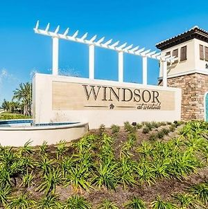 Gorgeous 5 Beds 4 Bath Pool Home In Windsor At Westside photos Exterior