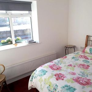 House With 3 Bedrooms In Dungarvan, With Wifi photos Exterior