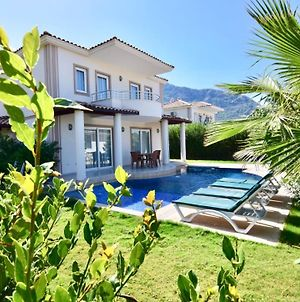 Hanel Life Royale Villa With Private Pool photos Exterior