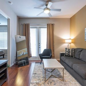 King Size Bed Luxurious Med Center Fully Equipped Condo photos Exterior