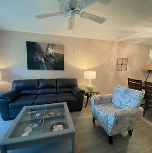 Cozy Updated Shorewalk First Floor Condo Close To Img And Beach photos Exterior