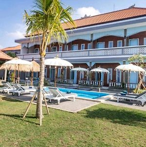 D Anyar Stay And Surf photos Exterior