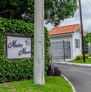 Finest Accommodations Marley Manor Apt 312 Bloc # 3 6 Marley Rd Kingston 6 photos Exterior