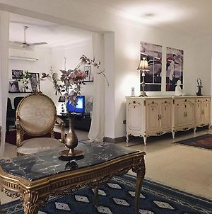 Spacious 3-Bedroom Fully-Furnished Apt In Nasr City photos Exterior