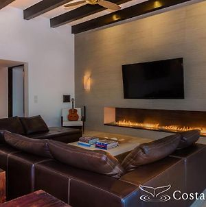 Casa Yvonne Modern Amenities Near Exclusive Golf Course Sleeps 16 photos Exterior