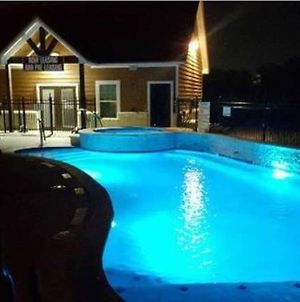 Fully Furnished Condo Near Kyle Field photos Exterior