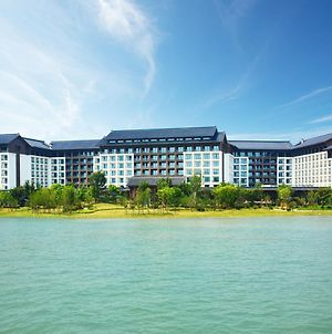 Crowne Plaza Wuxi Lake View photos Exterior