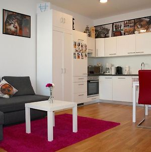 Trendy Danube Apartment - Close To Un photos Exterior
