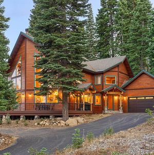New Listing! Elegant Home, Tahoe Donner Amenities Home photos Exterior