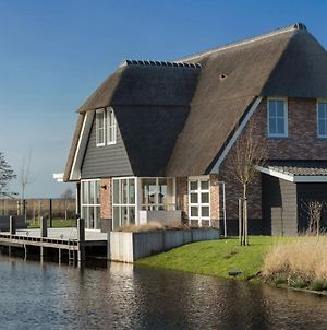 Beautiful, Thatched Villa With A Sauna At The Tjeukemeer photos Exterior