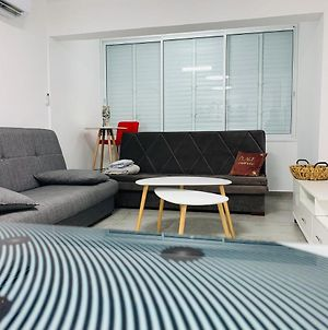 New! Luxury Suite 12 Min From Tlv For 8 People photos Exterior