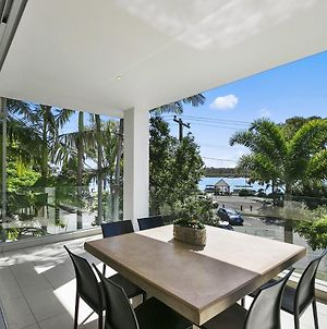 Stunning Riverfront Apartment In Noosaville - Unit 2 Wai Cocos 215 Gympie Terrace photos Exterior