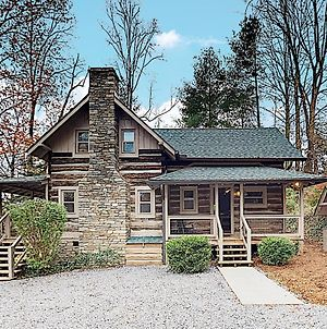 New Listing! Updated Cabin With Hot Tub On 2 Acres Cabin photos Exterior