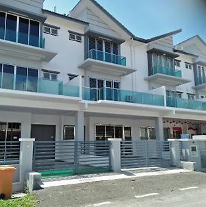 Coconut Homestay T Karang photos Exterior