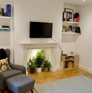 Trendy 1 Bed Flat Sleeping 4 In Charming Fulham photos Exterior