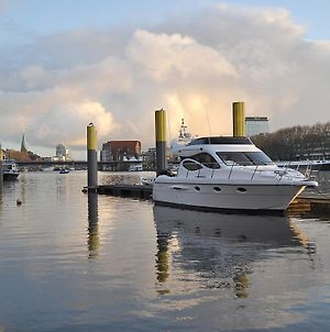 Luxus Yacht Lady Jane City Uberseestadt photos Exterior