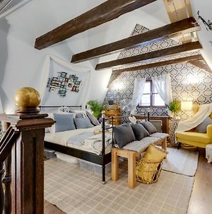 Incredible 2Br And 2Ba Loft In Heart Of Prague With Amazing Views photos Exterior