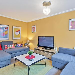 Central Big House - Large Group House - 4 Bedrooms 3 Bathrooms - Roof Terrace - City Centre photos Exterior