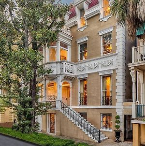 Wedding Cake Mansion On Monterey Sq. For Family Reunions, Retreats, Weddings photos Exterior