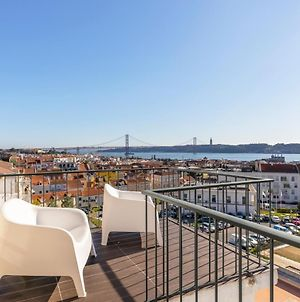 Amazing Views From Terrace, 2Bed In Ajuda, Sleeps 6 photos Exterior