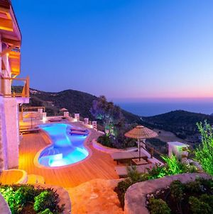 Kalkan Villa Sleeps 6 Pool Air Con Wifi photos Exterior