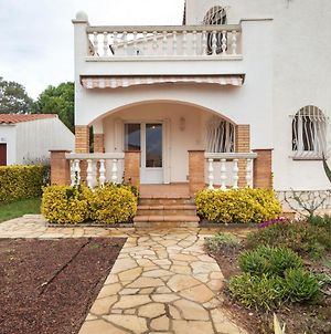 Peaceful Holiday Home In Sant Pere Pescador With Swimming Pool photos Exterior