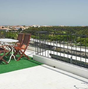 Apartment With 4 Bedrooms In Carcavelos With Wonderful Sea View Furnished Terrace And Wifi photos Exterior