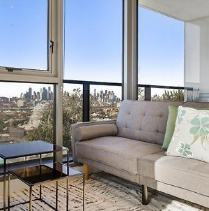 Breathtaking Unit With City And Racecourse Views photos Exterior